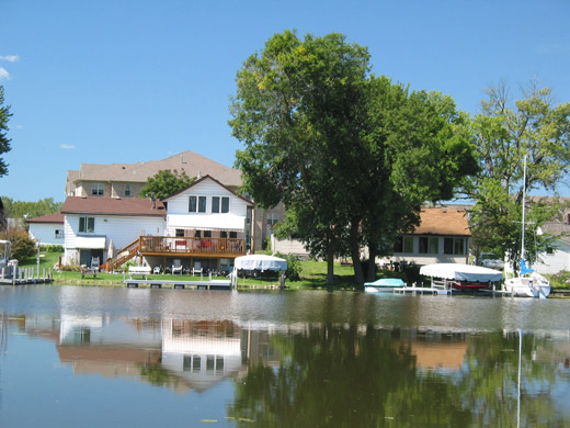 Westport WI Blue Bill Park Homes along Yahara River