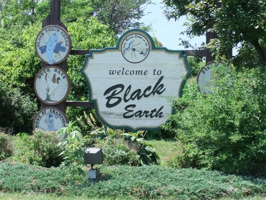 Black Earth Welcome Sign