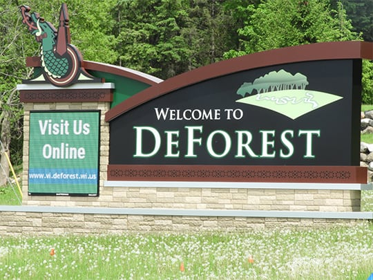 DeForest CITY SIGN 540