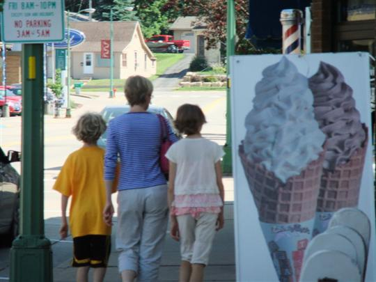 Lodi children with icecream
