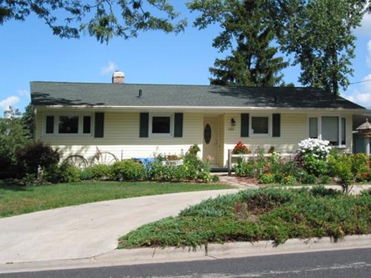 Monona Small House 540