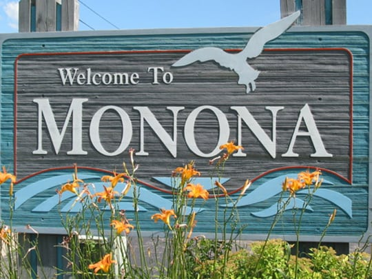 Monona city sign